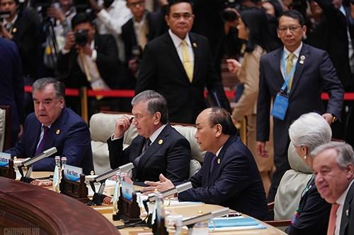 强化越南在全球经济一体化进程中的作用 hinh anh 1
