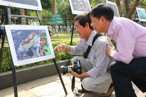 越南南中部和西原地区艺术图片节在嘉莱省举行 hinh anh 2