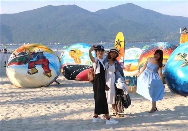 越南4·30南方解放日和5·1国际劳动节假期全国接待游客量猛增 hinh anh 1