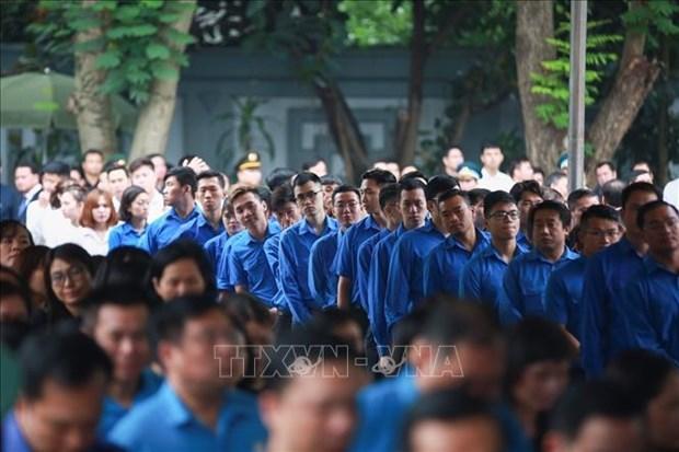 100多个国际代表团前来吊唁原国家主席黎德英大将和送花圈致哀 hinh anh 2