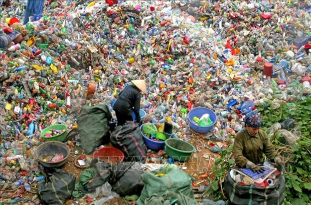 阮春福致信呼吁共同携手解决塑料废弃物问题 hinh anh 1