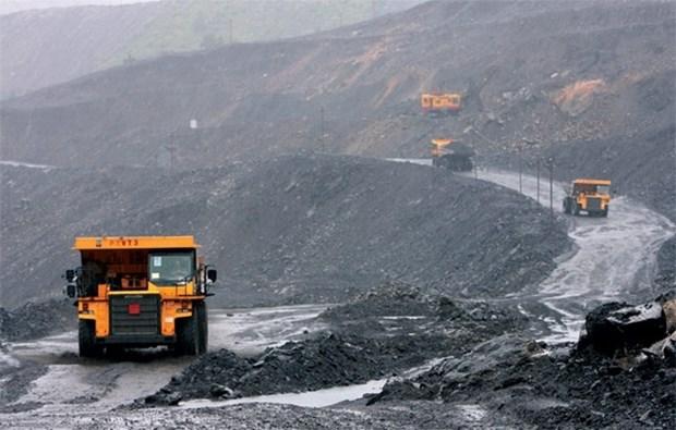 越南煤炭矿产工业集团前四月煤炭产量近1500万吨 hinh anh 1