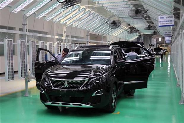 高端旅行车制造厂在广南省落成 hinh anh 2