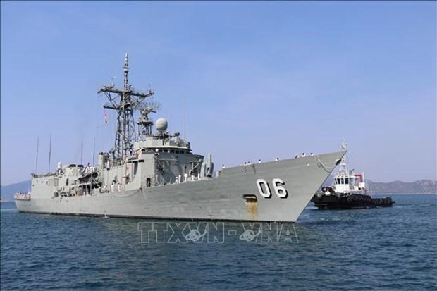 澳大利亚皇家海军两艘军舰对越南进行友好访问 hinh anh 1
