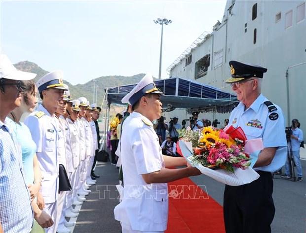 澳大利亚皇家海军两艘军舰对越南进行友好访问 hinh anh 2