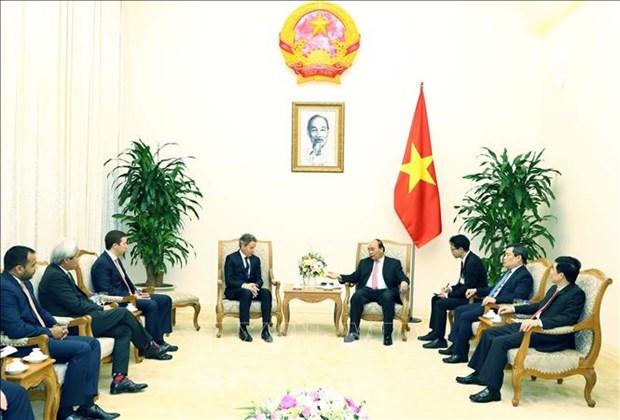 越南政府总理阮春福会见美国前财政部长盖特纳 hinh anh 1