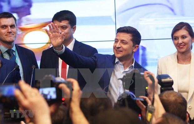 阮富仲向乌克兰当选总统弗拉基米尔·泽伦斯基致贺电 hinh anh 1