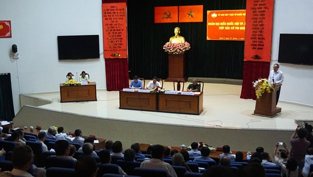 胡志明市选民希望反腐工作做得更严更深更实 hinh anh 1