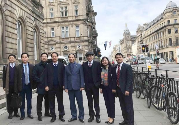河内市工作代表团对英国和爱尔兰进行工作访问 hinh anh 3