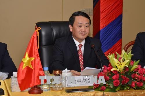 越南与新加坡加强民间和文化交流 hinh anh 1