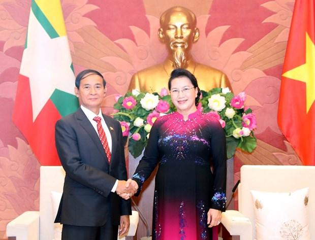 越南政府和国会领导人会见缅甸总统吴温敏 hinh anh 2