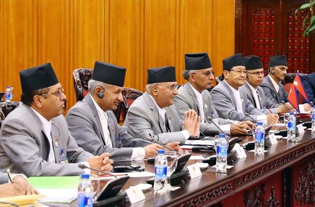 越南政府总理阮春福与尼泊尔总理奥利举行会谈 hinh anh 2