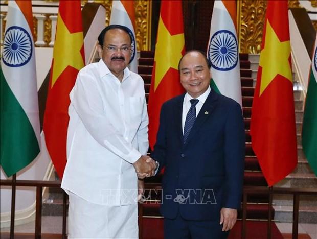 阮春福总理会见印度副总统、联邦院议长文卡亚•奈杜 hinh anh 1