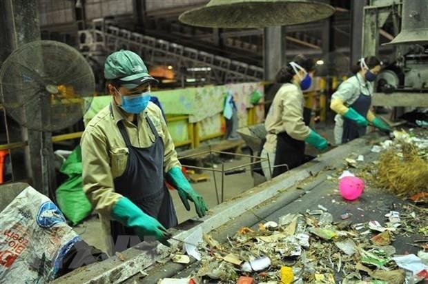 促进东南亚地区城市郊区和中小城市固体垃圾的管理 hinh anh 1