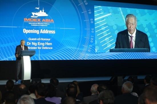 新加坡防长:COC可以为达成国际海事规则和预防冲突协议铺平道路 hinh anh 1