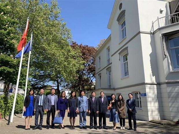 越南国会法律委员会代表团访问荷兰 hinh anh 2