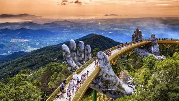 英国亿万富翁在巴拿山上漫步并观光金桥 hinh anh 2