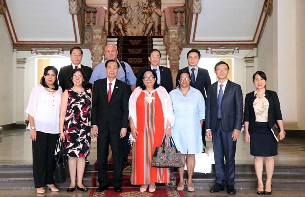 古巴与越南加强配合 提升人民保健工作效率 hinh anh 2