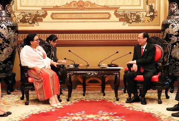 古巴与越南加强配合 提升人民保健工作效率 hinh anh 1