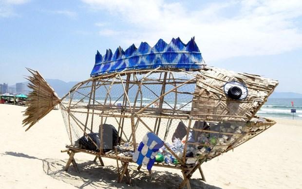 巨型虾虎鱼垃圾收集器向人类敲响环保警钟 hinh anh 1