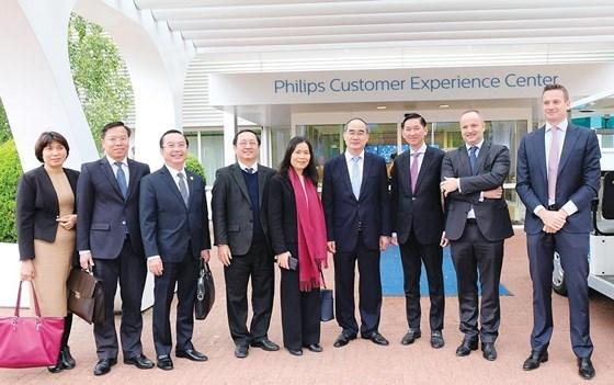 胡志明市代表团了解荷兰创新技术解决方案 hinh anh 2