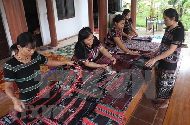 越南增加对少数民族地区和山区的资源投入 hinh anh 1