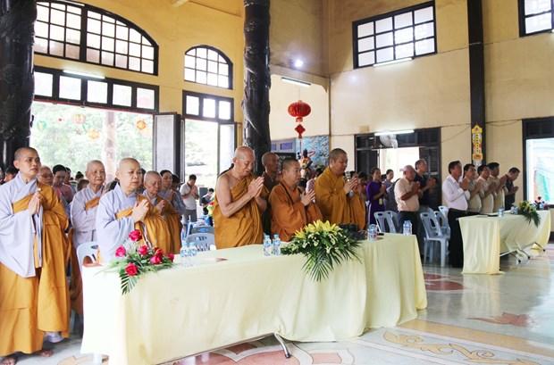 旅居老挝越南人举行佛历2563年佛诞大典 hinh anh 1