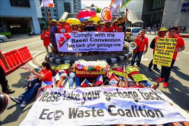加拿大拨出近100万美元把垃圾从菲律宾运回国 hinh anh 1