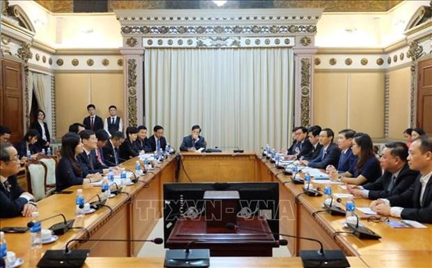 胡志明市领导会见中华全国工商业联合会代表团 hinh anh 1