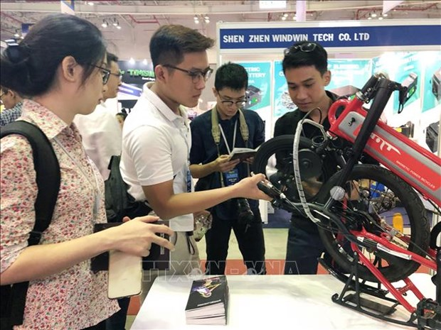 2019年越南汽车摩托车及零配件展在胡志明市开幕 hinh anh 2