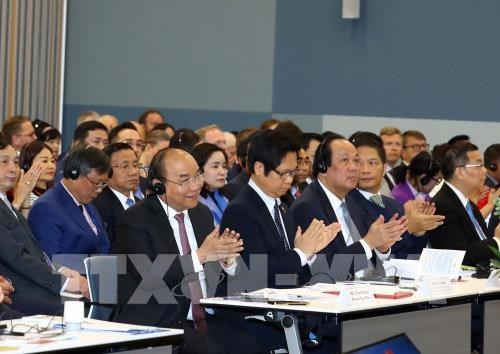 越南政府总理阮春福出席越南与挪威企业论坛 hinh anh 2