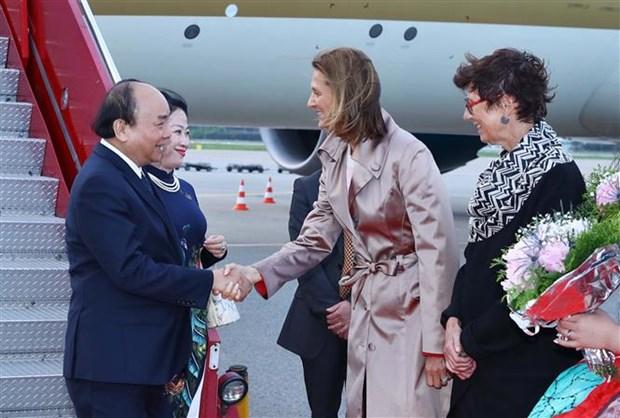 政府总理阮春福赴奥斯陆 开始挪威访问之行 hinh anh 2