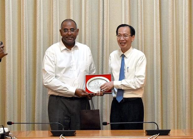 胡志明市与科特迪瓦各地方加强经济等领域合作 hinh anh 1