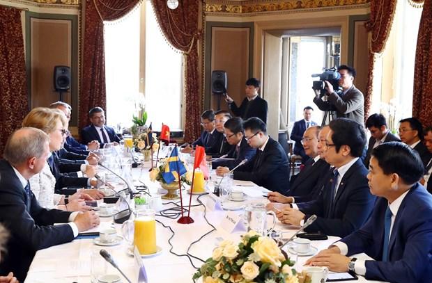 越南政府总理阮春福会见瑞典一流企业领导 hinh anh 1