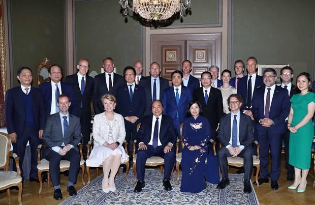 越南政府总理阮春福会见瑞典一流企业领导 hinh anh 2