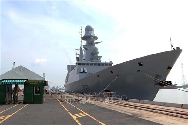 法国海军防空护卫舰对胡志明市进行友好访问 hinh anh 1
