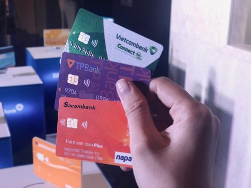 越南多家银行正式发行内地芯片卡 hinh anh 1