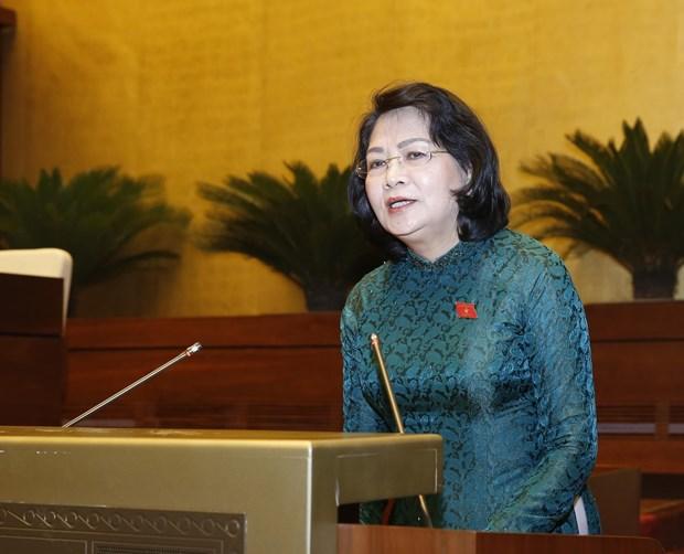 越南第十四届国会第七次会议:《劳动法》的修正旨在更好地保障劳动者和雇主的合法权益 hinh anh 1
