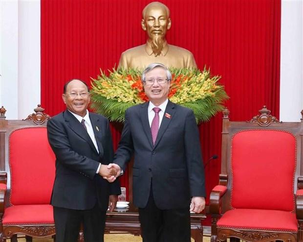 陈国旺同志会见柬埔寨国会高级代表团 hinh anh 1