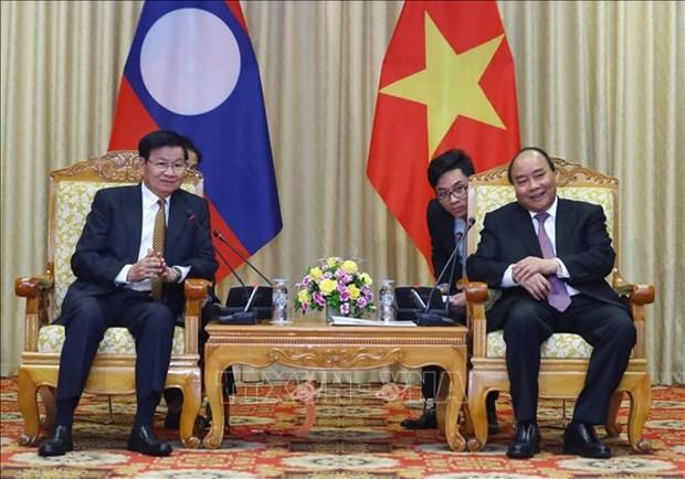 阮春福会见老挝总理通伦·西苏里 hinh anh 1