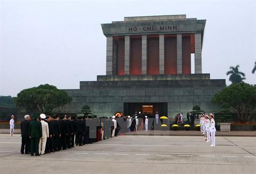 胡志明主席陵6月14日起暂停对公众开放 hinh anh 1