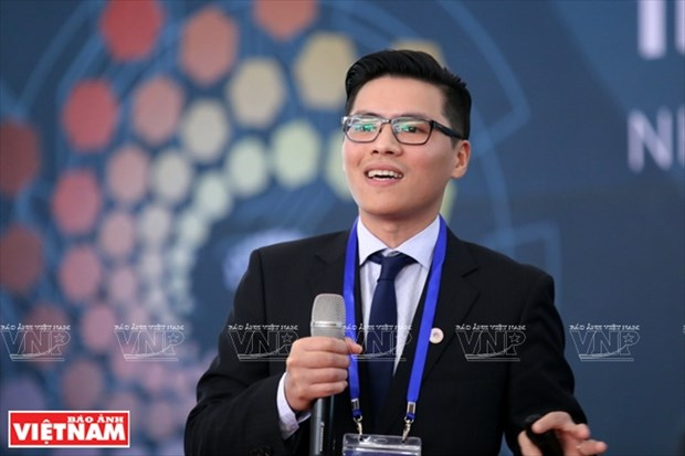 """范光强副教授与""""越南制造""""机器人的蓝图 hinh anh 1"""