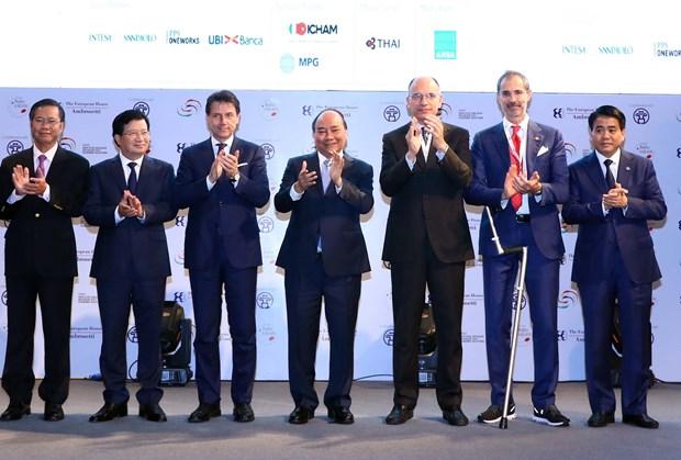 越南政府总理和意大利总理朱塞佩·孔特共同主持意大利-东盟企业论坛 hinh anh 2