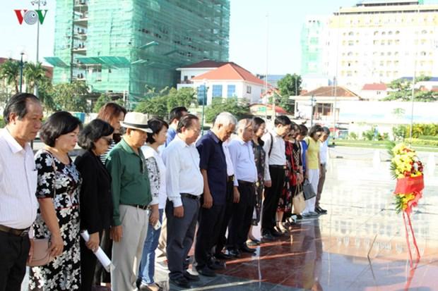越南志愿军的功勋载入柬埔寨史册 hinh anh 1