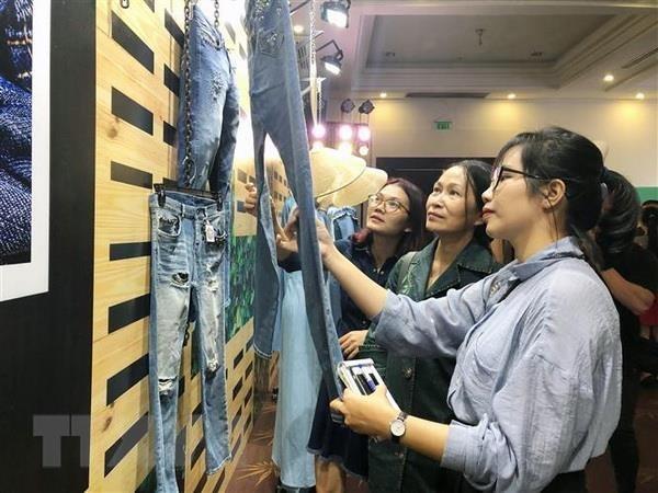 2019年第4届越南国际专业牛仔面料纺织展在胡志明市拉开序幕 hinh anh 1