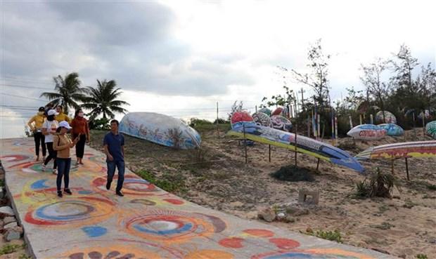 """广南省沿着三青沙滩""""竹篮船之路""""艺术项目正式竣工 hinh anh 1"""