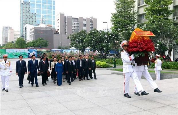 胡志明市与老挝万象加强党建工作合作 hinh anh 2