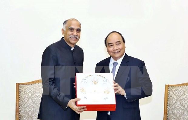 阮春福总理会见即将离任的印度驻越南大使 hinh anh 1