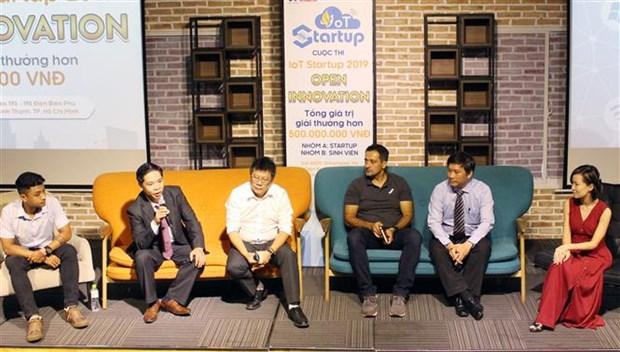科技企业在物联网创新公开赛上向越南创业型企业订购产品 hinh anh 2