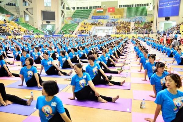 第五届国际瑜伽日—致力于绿色生活的瑜伽 hinh anh 2
